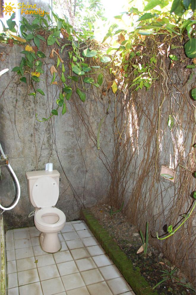 Туалет и душ, что еще нужно для счастья )