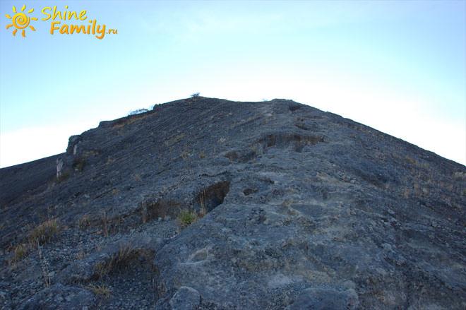 Лунная поверхность Агунга