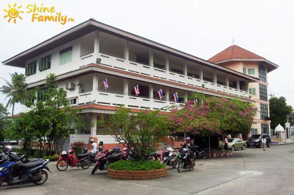Главное здание Isaranuson School
