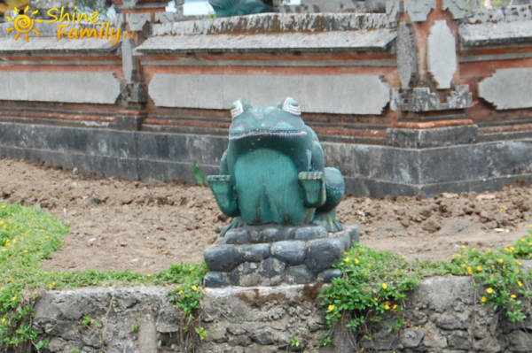 Pura_Ulun_Danu_temple_006