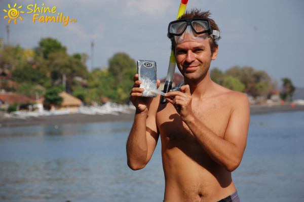 Как снимать под водой телефоном