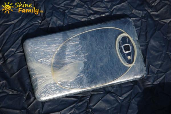 Телефон Samsung Note и 2 презирватива